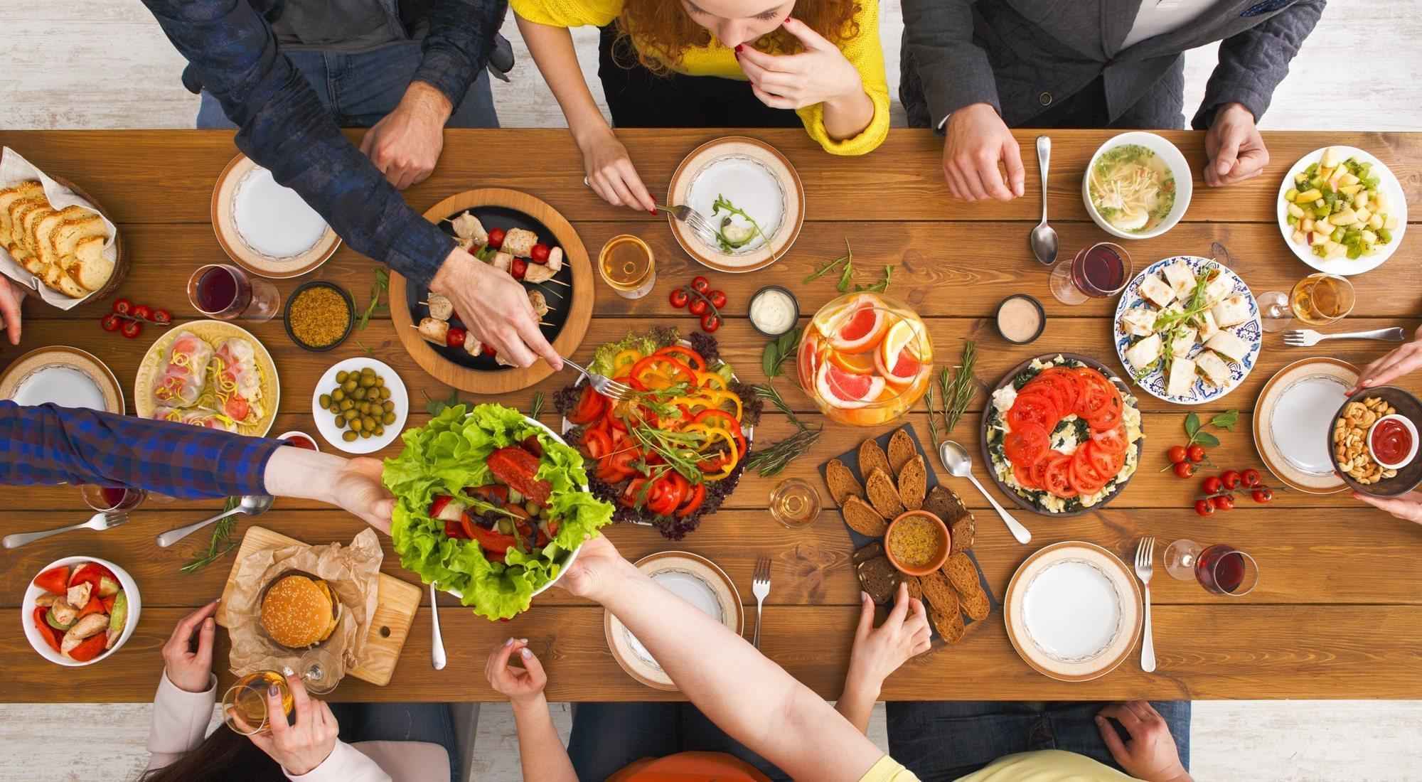 Cómo hacer dieta y seguir teniendo amigos