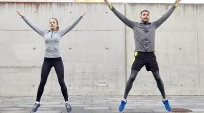Jumping jacks, el ejercicio para quemar grasa desde casa