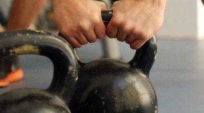 Entrenamiento con pesas rusas o kettlebell: beneficios y ejercicios