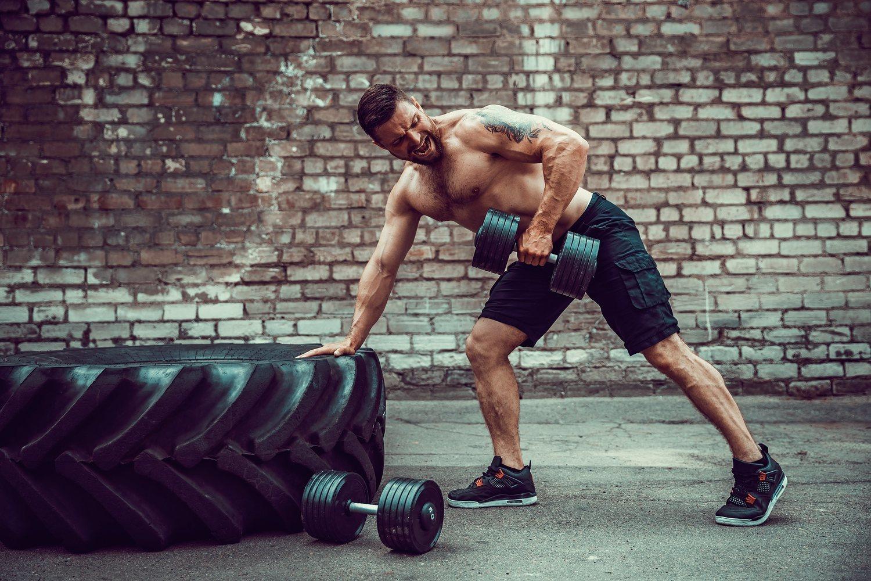 El crossfit es un ejercicio de alto ritmo y que debe practicarse con la intensidad adecuada si no queremos sufrir lesiones.