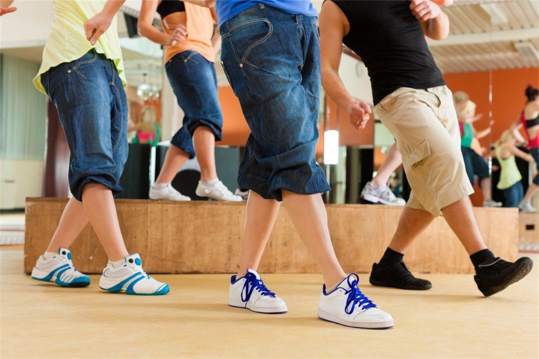 Nadie se cree ya que los chicos no saben bailar, es hora de demostrarlo.