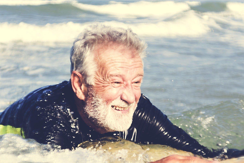 En el agua, el ejercicio es más fácil, divertido y apto para todas las edades