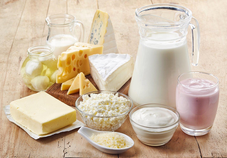 Uno de los componentes prohibidos por esta dieta son los lácteos de cualquier tipo.