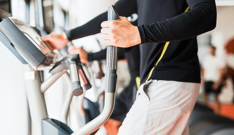 La elíptica, como ejercicio de cardio, es excelente para la eliminación de la grasa.