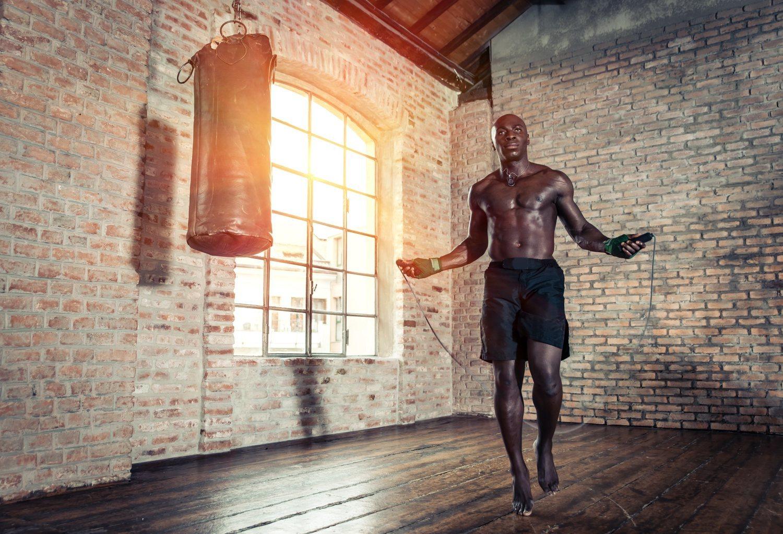 Es un entrenamiento que permite alternar diferentes ejercicios para no caer en la monotonía.
