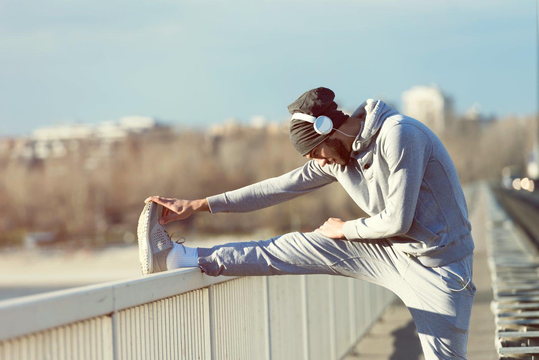 Si los síntomas se localizan de cuello hacia arriba puedes realizar actividad física moderada.