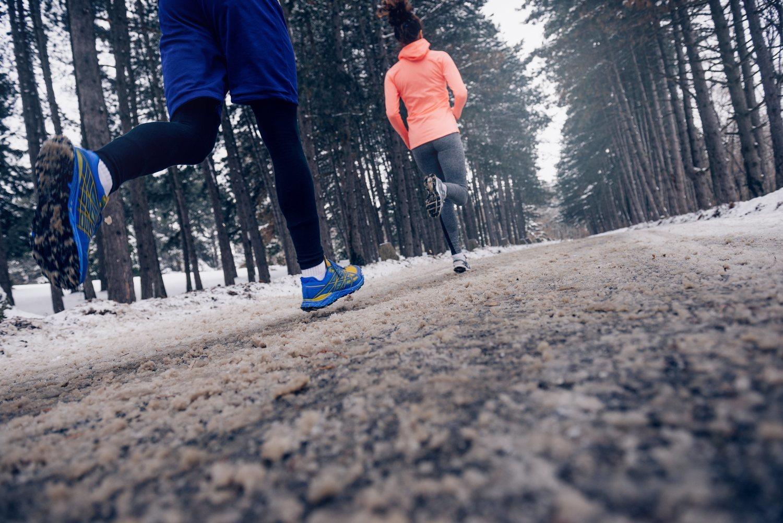Entrenar con frío ayuda a aumentar la quema de calorías.