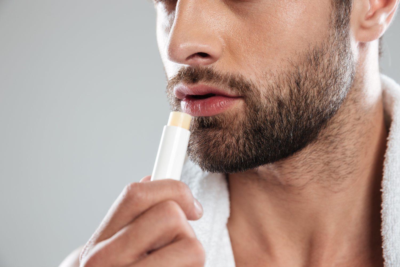 Durante la época de frío es necesario hidratar la piel y los labios.