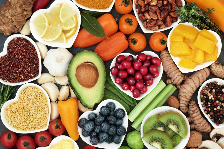 Una dieta equilibrada es la mejor forma de mantener un peso saludable.