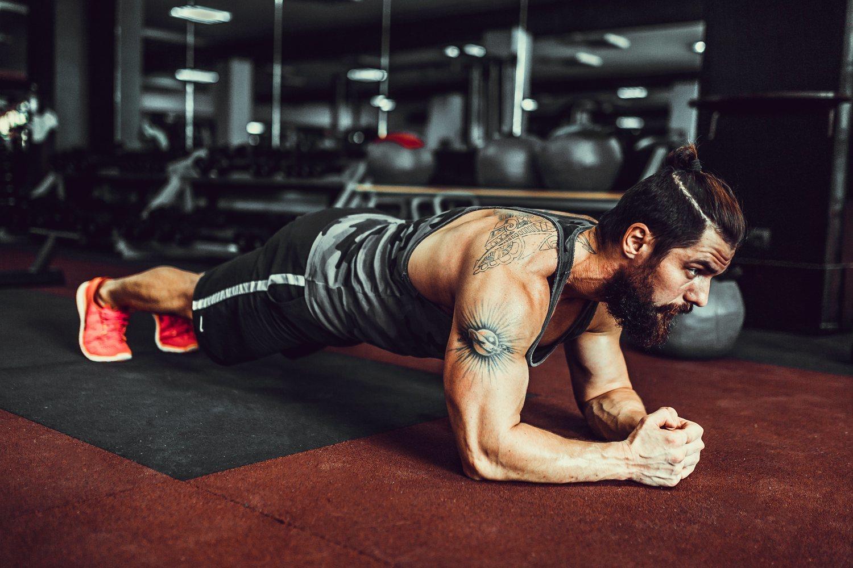 La plancha es el ejercicio perfecto para trabajar tus abdominales.