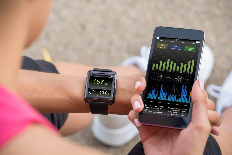 Los smartwatches y smartphones han llevado los pulsómetros y sus datos al gran público.