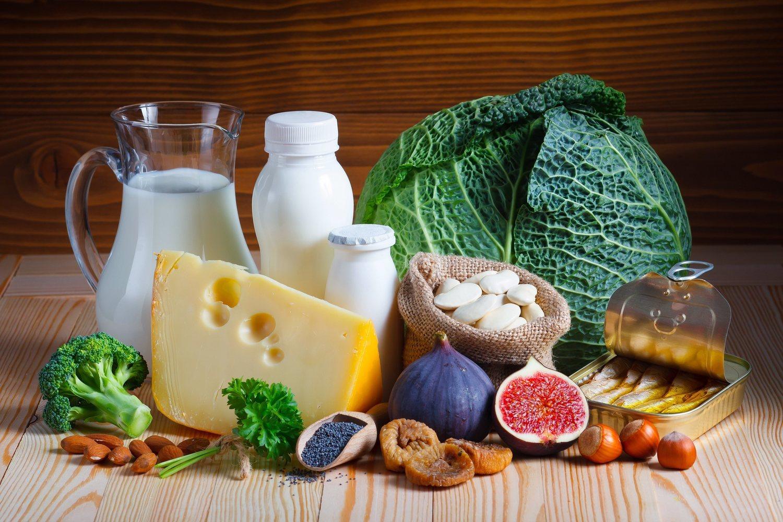 Los alimentos ricos en calcio favorecen el cuidado de los huesos de nuestro cuerpo.