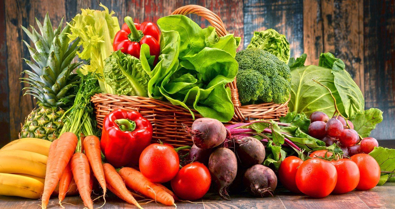 Antes de echar mano de complejos vitamínicos, es mejor consumir más frutas y verduras.