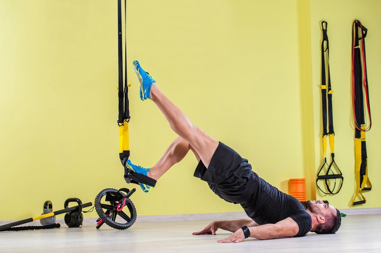 El sistema TRX es muy completo y permite ejercitar varias partes del cuerpo.