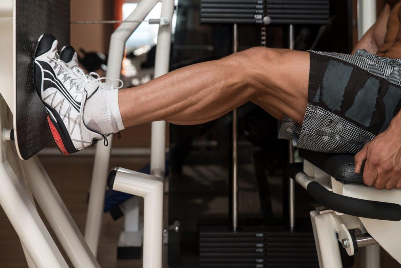 La prensa de pierna puede ser una buena alternativa a las sentadillas.