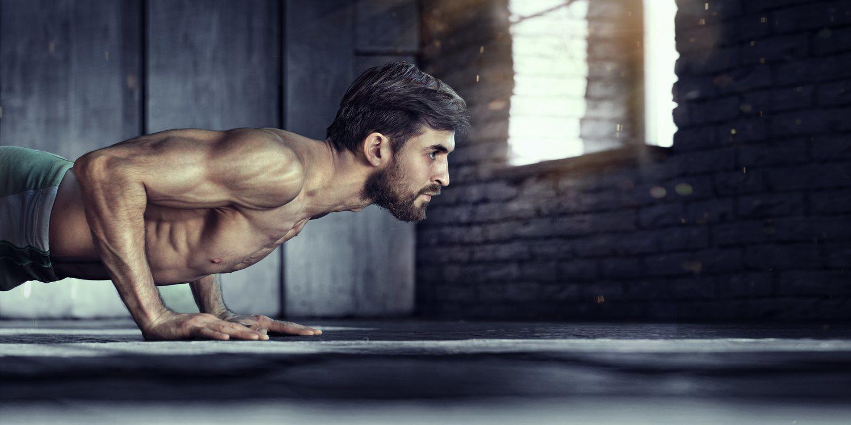 Mantén la espalda recta si no quieres que te duela tras realizar el ejercicio.