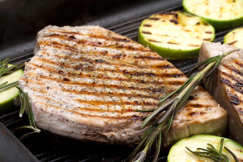 Cocinar a la plancha y con poca grasa es clave para comer sano