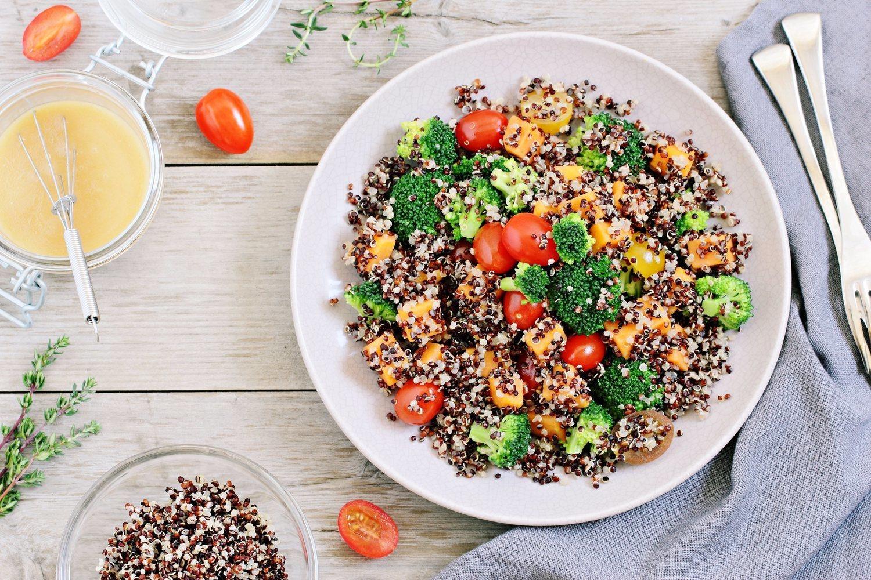 La quinoa, un superalimento que mejorará las propiedades de cualquier ensalada.