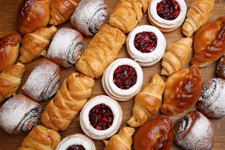 El azúcar y la bollería, grandes enemigos de la dieta detox.